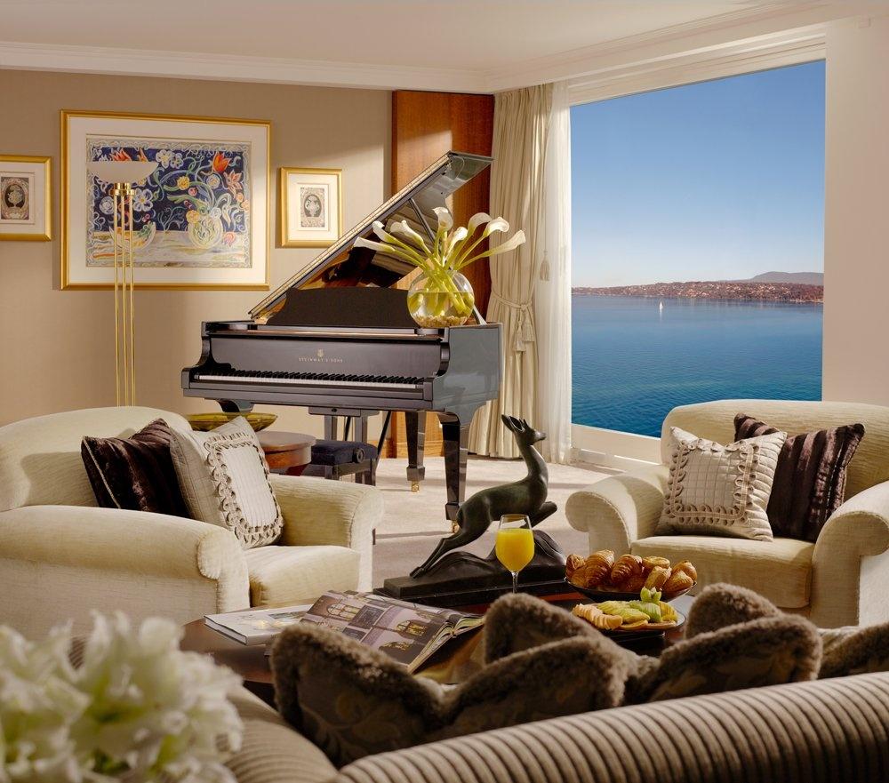 Chiếc đàn đại phong cầm của Steinway dành cho những ai đam mê âm nhạc.