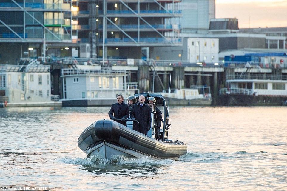 Theo chan James Bond trong phim bom tan 'Spectre' hinh anh 13 Anh: Sau khi chu du những địa điểm nóng nhất, lạnh nhất, xa xôi và lãng mạn nhất thế giới, James Bond không thể không trở lại London.
