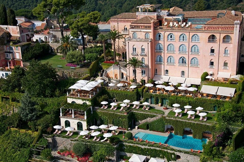 Nhung noi nghi trang mat lang man nhat hanh tinh hinh anh 1 Bạn muốn có một khoảng thời gian tuyệt vời ở Italy? Hãy tới Palazzo Avino, khách sạn trăng mật tuyệt nhất châu Âu.