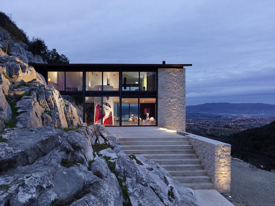 """Nhung noi nghi trang mat lang man nhat hanh tinh hinh anh 11 A&K Villas là công ty cho thuê biệt thự tốt nhất thế giới, với những ngôi nhà như """"La Blanche"""" ở vùng Tuscany, Italy."""