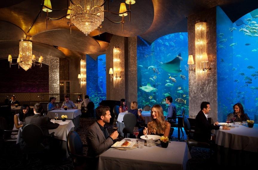 9 cach nem tien qua cua so o Dubai hinh anh 7 Thưởng thức bữa sáng muộn thứ sáu: Thứ sáu là ngày cuối tuần ở Dubai, vào buổi sáng các khách sạn thường đưa ra các gói ăn buffet thỏa thích với những món hảo hạng. Ngoài ra, đây còn là cách để gặp gỡ, giao thiệp và làm quen, đáng để bạn bỏ ra một số tiền không nhỏ.