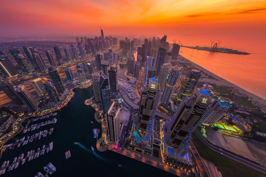 Dubai ve dem nhu thanh pho trong phim vien tuong hinh anh 5