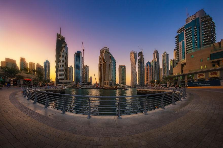 Dubai ve dem nhu thanh pho trong phim vien tuong hinh anh 7
