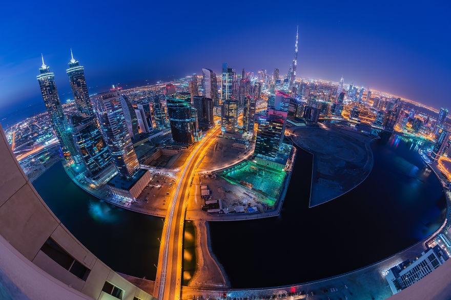 Dubai ve dem nhu thanh pho trong phim vien tuong hinh anh 9