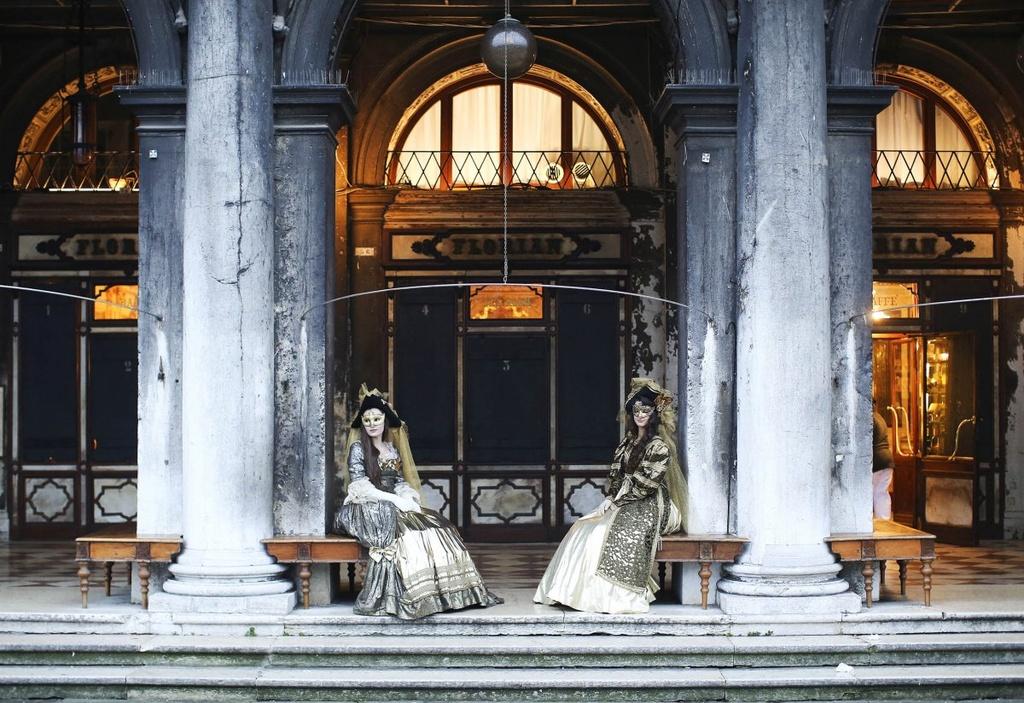 Venice song lai thoi hoang kim trong le hoi mat na hinh anh 4