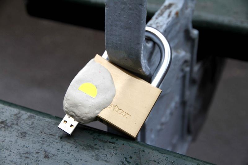 Bi mat trong nhung chiec USB ky la noi cong cong hinh anh 2