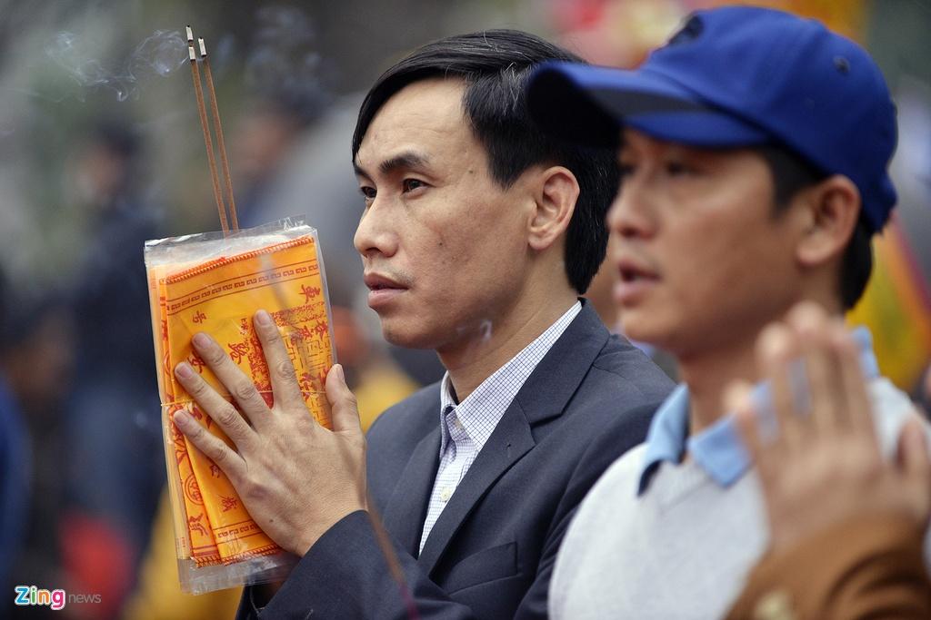 Chen lan xo day mua an Den Tran tu to mo sang hinh anh 15