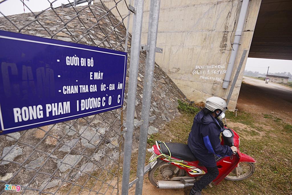 Nguy co tai nan 'rinh rap' tren cao toc Noi Bai - Lao Cai hinh anh 9