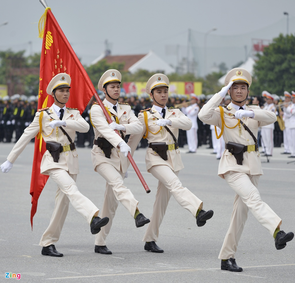 Dan xe cua canh sat co dong anh 1