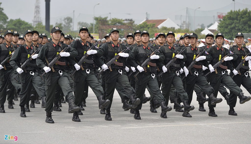 Dan xe cua canh sat co dong anh 3