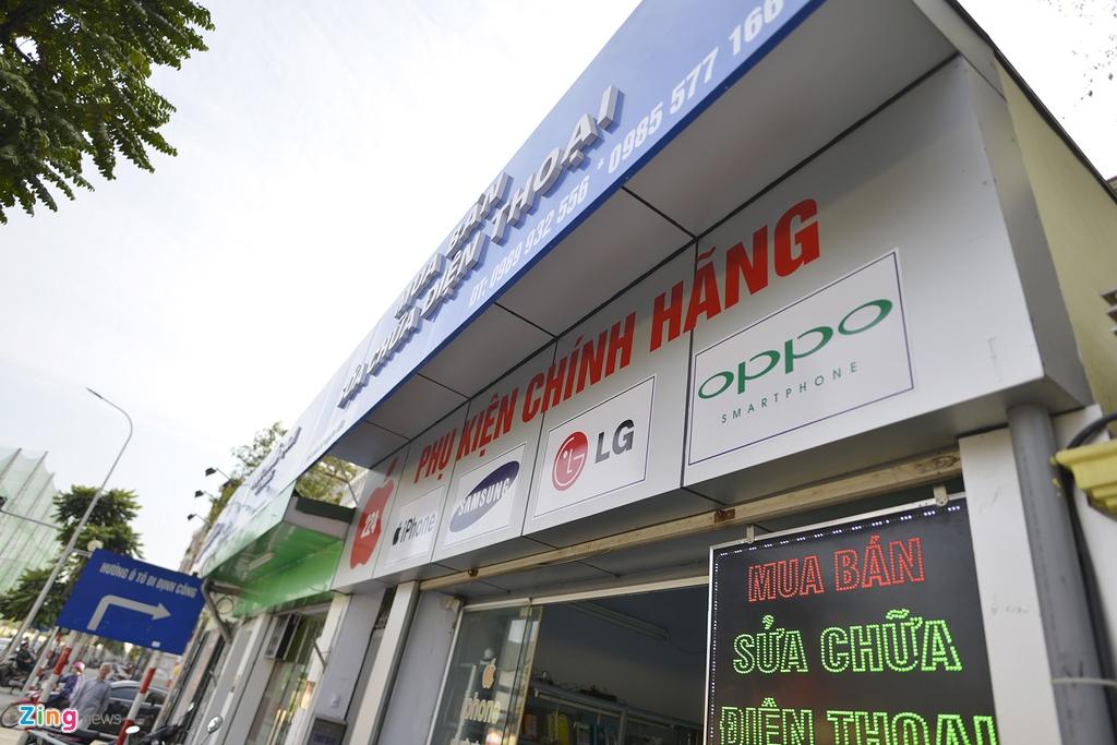 Quang cao 'dong phuc' dang dan bien mat tai pho kieu mau hinh anh 6