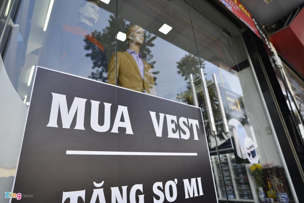 Quang cao 'dong phuc' dang dan bien mat tai pho kieu mau hinh anh 8