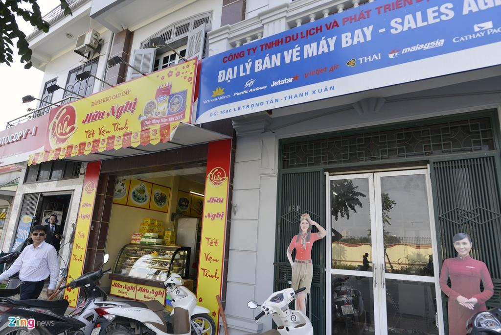 Quang cao 'dong phuc' dang dan bien mat tai pho kieu mau hinh anh 10