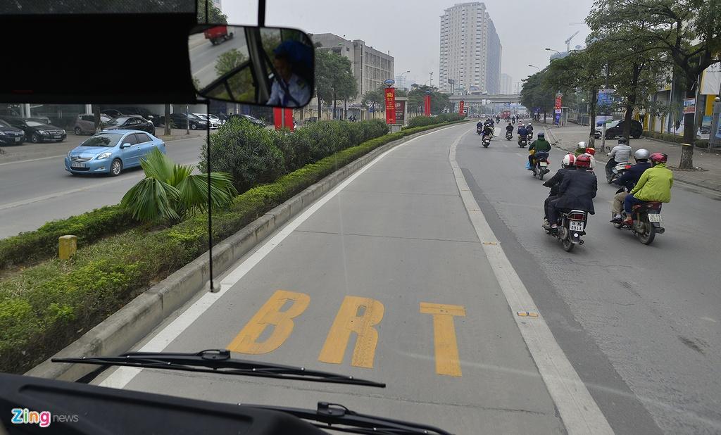 Ngay dau hoat dong cua buyt nhanh BRT anh 6