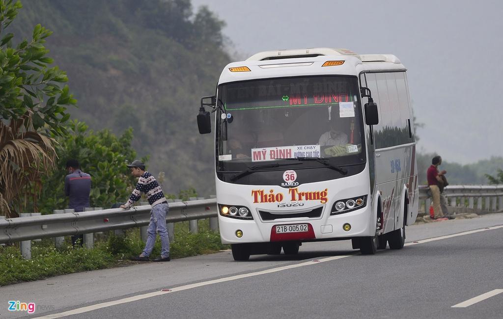 Nha xe ne camera bat khach tren cao toc Noi Bai hinh anh 4
