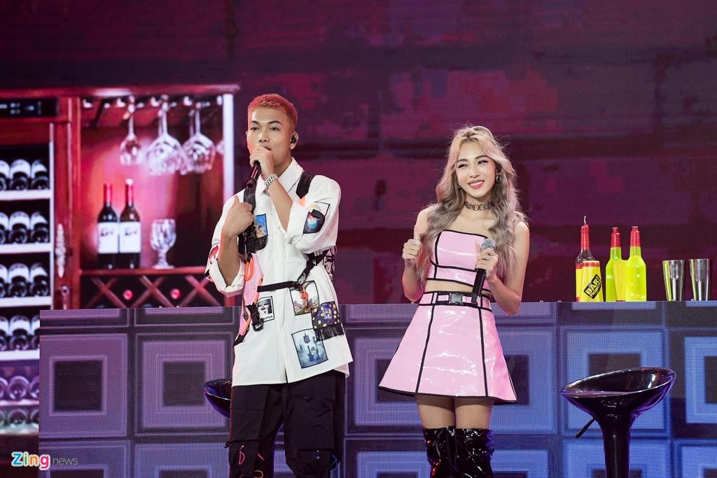 Hyomin tu dem dan, Kim Jaejong 'chay' het minh tai V Heartbeat thang 7 hinh anh 9