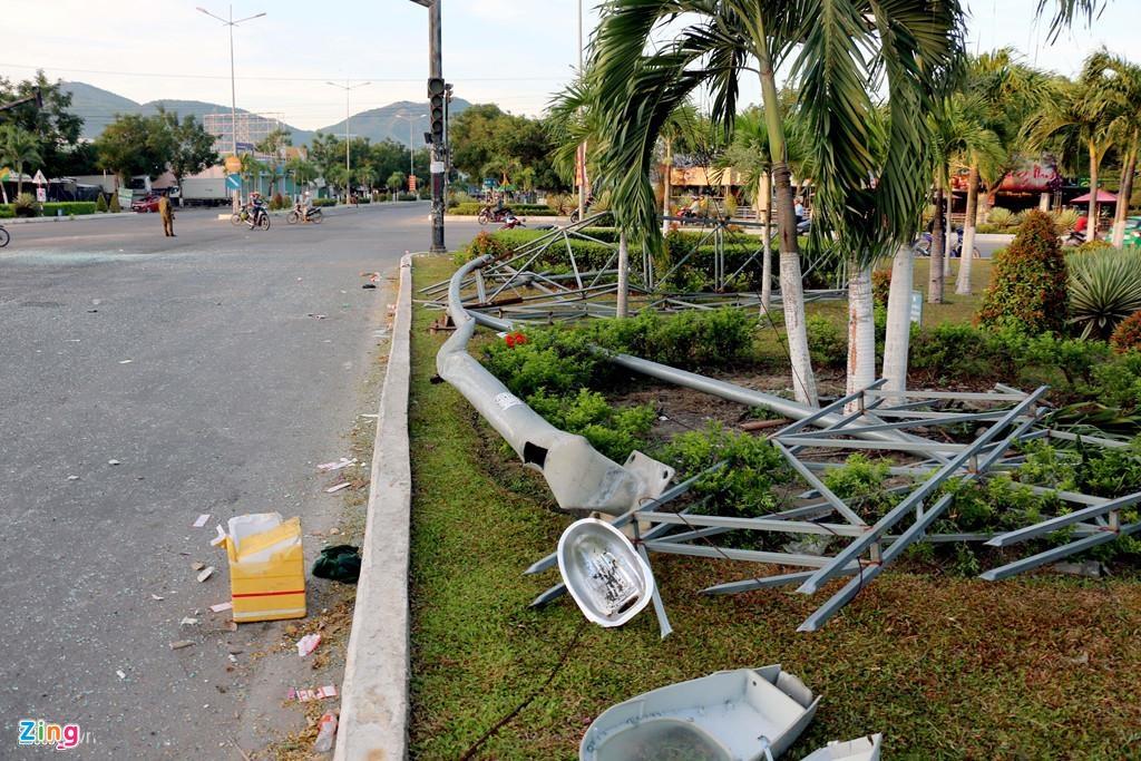 Hanh khach la het khi xe khach Phuong Trang tong oto giuong nam hinh anh 8