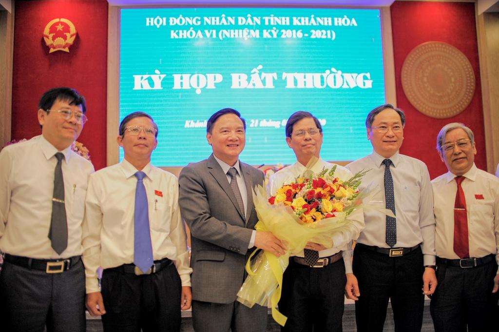 Tan Chu tich Khanh Hoa: Uu tien dan sinh, cung co bo may chinh quyen hinh anh 2 H1.jpg