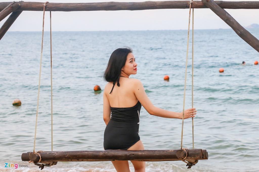 Bai bien Nha Trang dong nghit nguoi tam anh 7