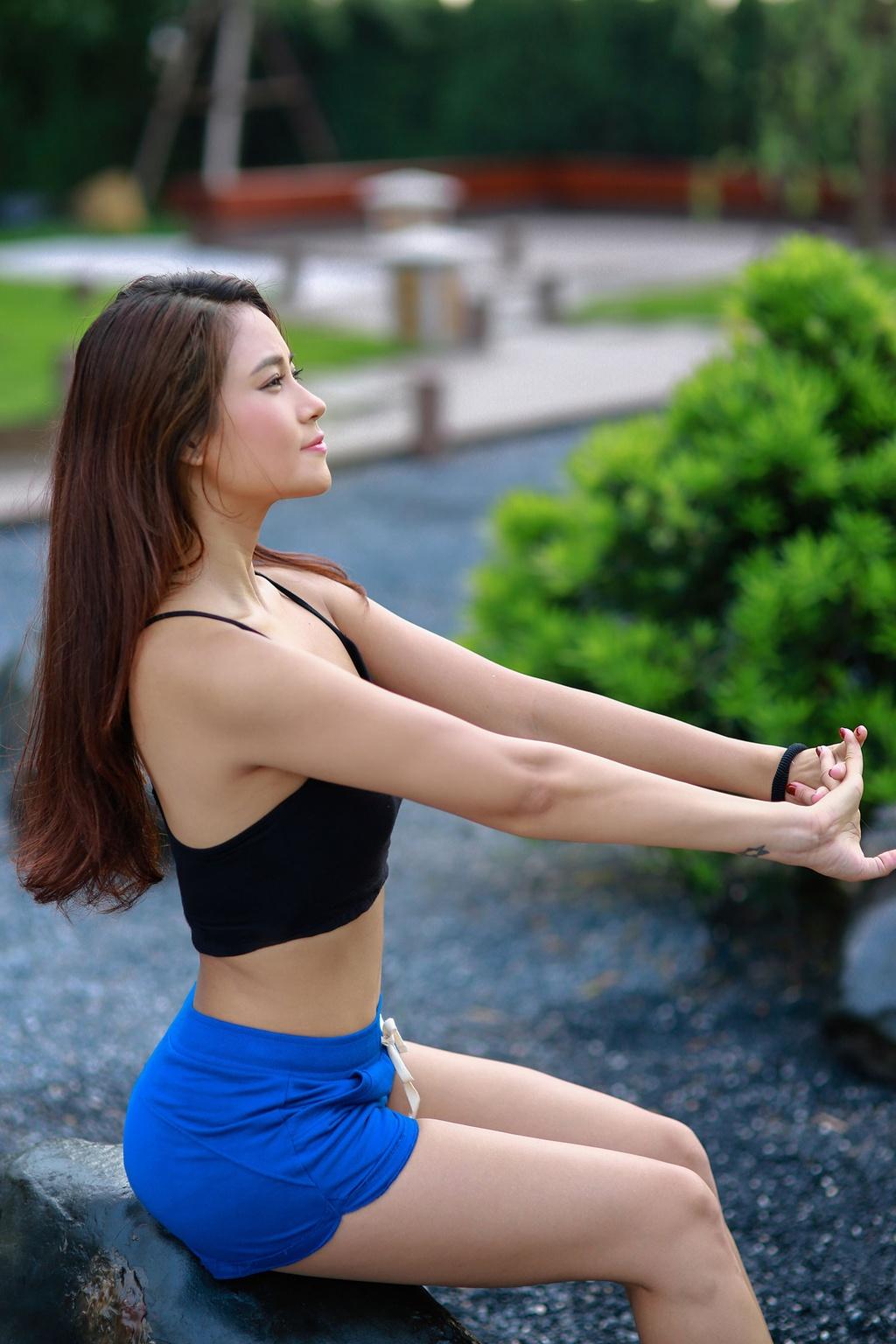 So huu 3 vong nong bong voi yoga cung Van Anh hinh anh 1