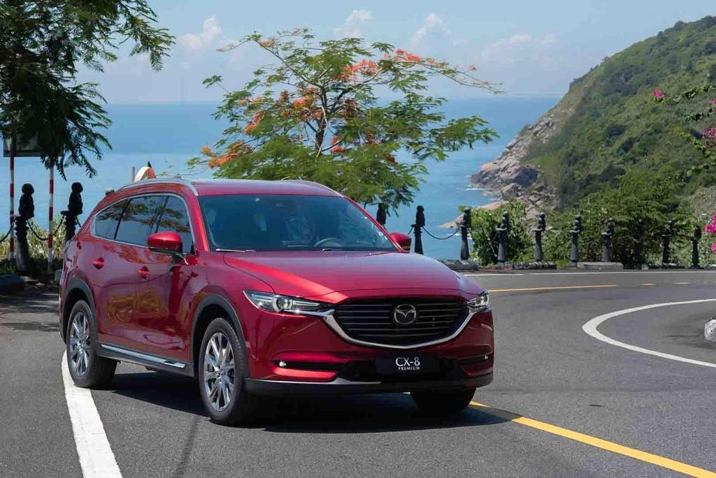 Mazda CX-8 2019 vs Hyundai Santa Fe 2019: Ve hien lanh doi dau ca tinh hinh anh 5