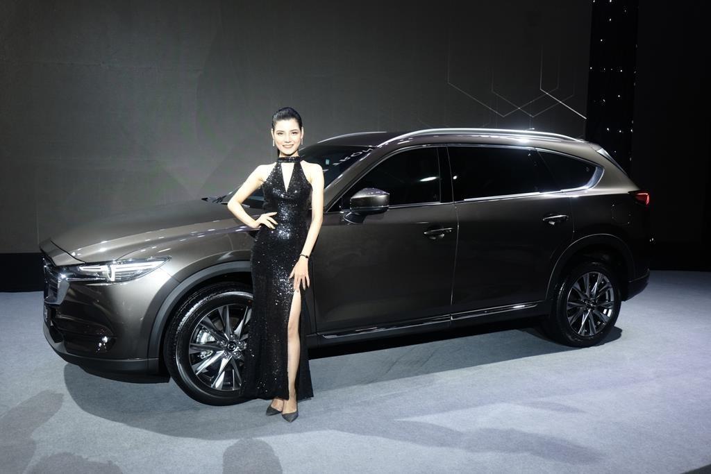 Mazda CX-8 2019 vs Hyundai Santa Fe 2019: Ve hien lanh doi dau ca tinh hinh anh 15