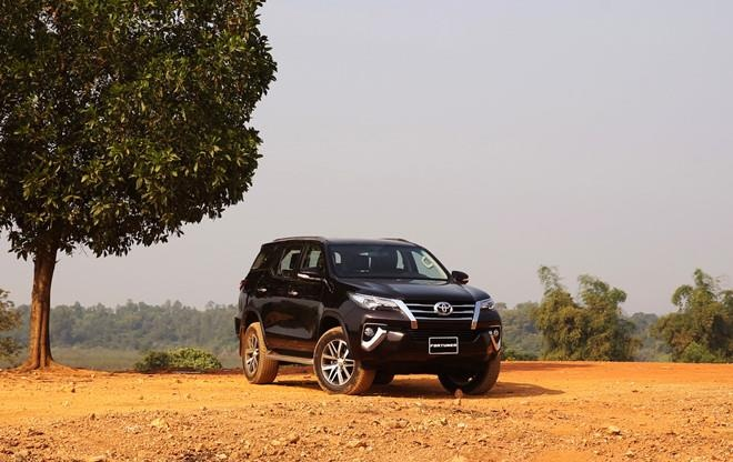 nissan,  terra,  toyota,  fortuner anh 14