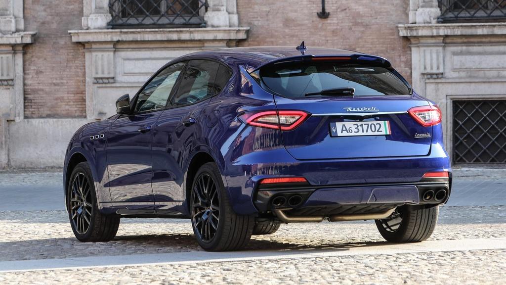 Maserati Levante Trofeo - nguoi dep Italy mang 'trai tim' Ferrari hinh anh 9