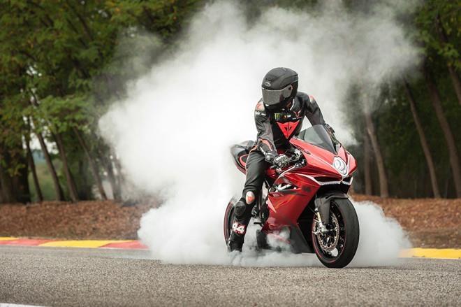 Sap co moto MV Agusta phien ban binh dan hinh anh 2