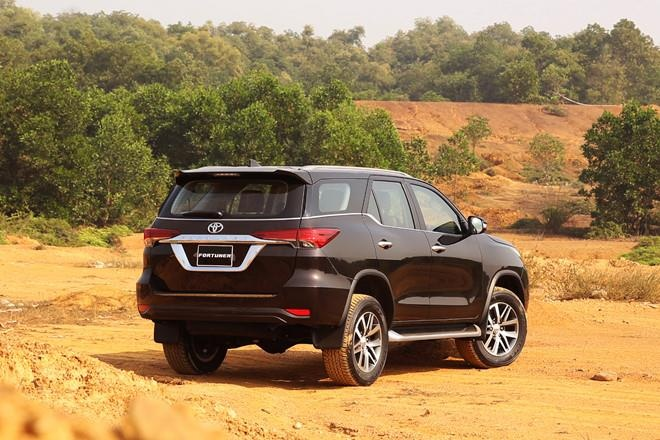 SUV 7 cho tam gia 1,4 ty, chon Toyota Fortuner hay Ford Everest? hinh anh 5