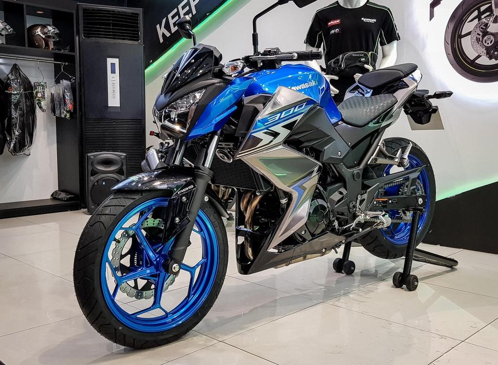 naked bike 300 cc chon xe nao anh 2