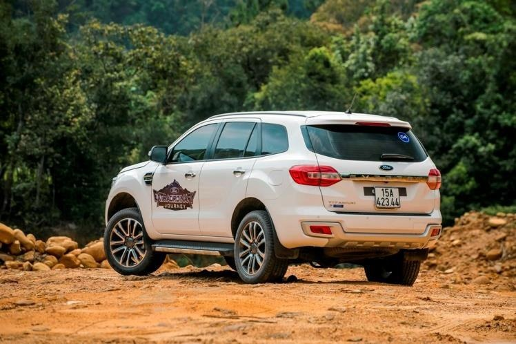 SUV 7 cho tam gia 1,4 ty, chon Toyota Fortuner hay Ford Everest? hinh anh 6