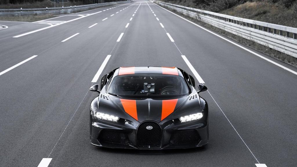 11 su that ve Bugatti Chiron anh 1
