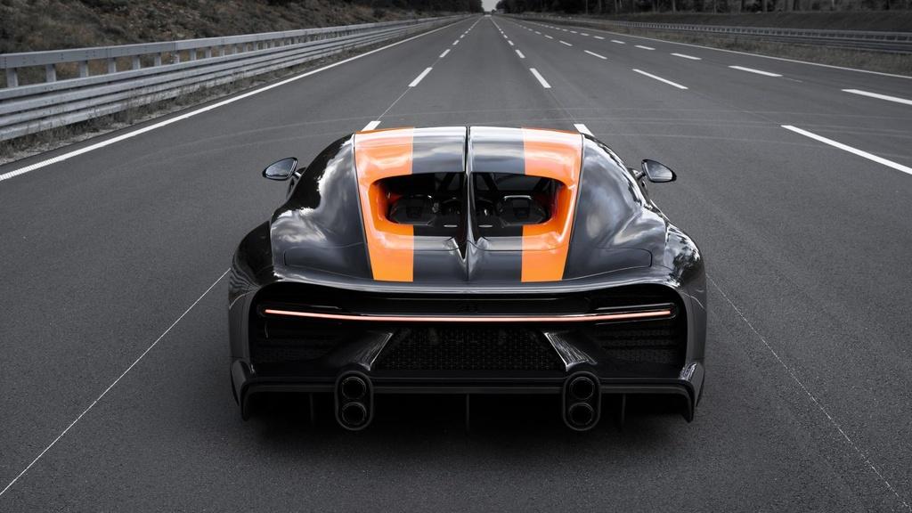 11 su that ve Bugatti Chiron anh 8