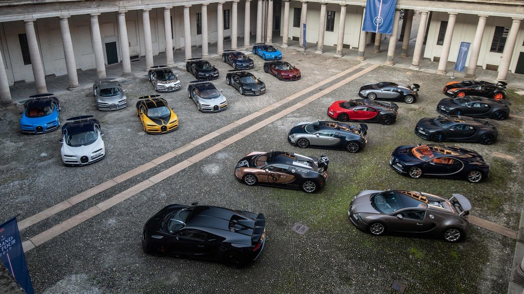 Hang tram sieu xe Bugatti hoi ngo nhan ky niem 110 nam thanh lap hang hinh anh 4