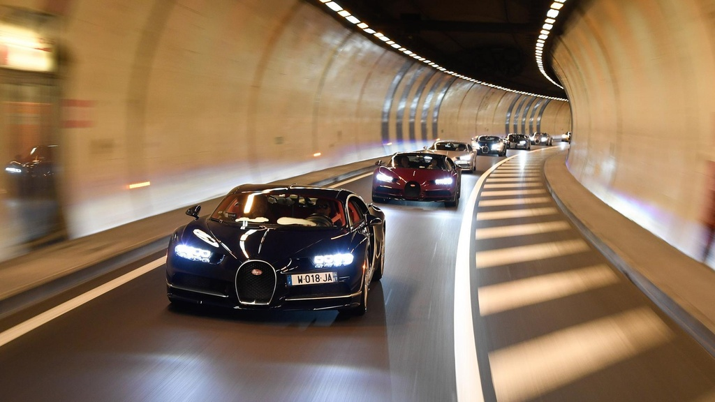 Hang tram sieu xe Bugatti hoi ngo nhan ky niem 110 nam thanh lap hang hinh anh 11