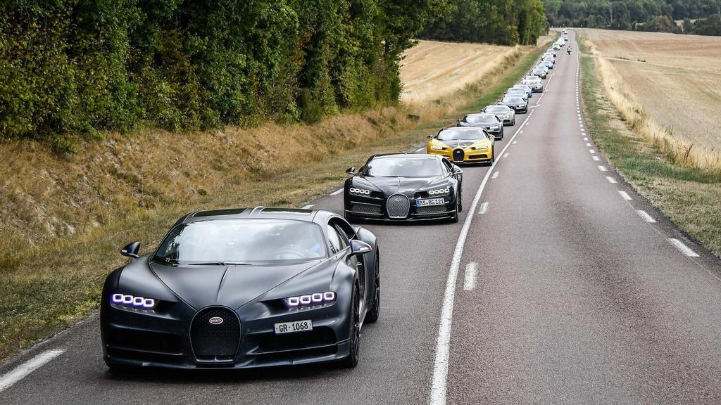 Hang tram sieu xe Bugatti hoi ngo nhan ky niem 110 nam thanh lap hang hinh anh 18