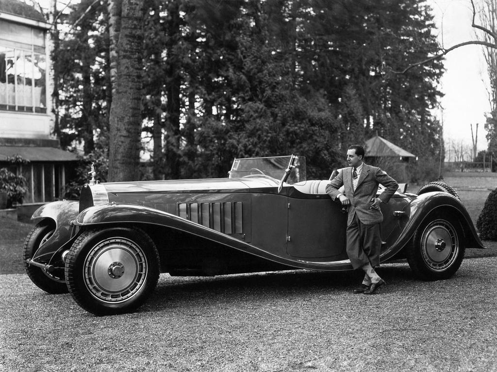 Hang tram sieu xe Bugatti hoi ngo nhan ky niem 110 nam thanh lap hang hinh anh 1