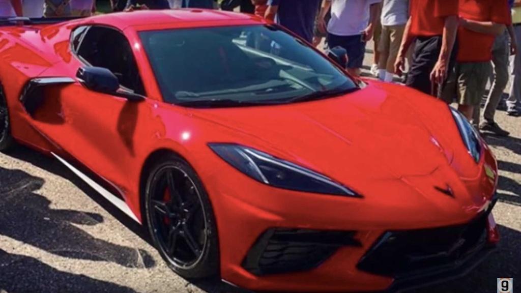 Gia cua Corvette C8 2020 thuc su 're den vo ly' du o thi truong nao hinh anh 2