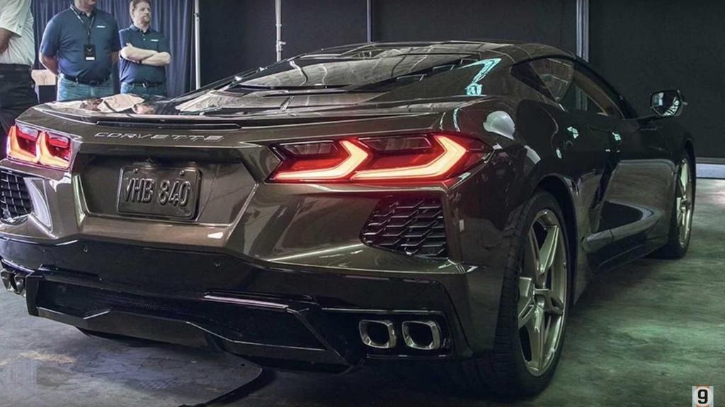 Gia cua Corvette C8 2020 thuc su 're den vo ly' du o thi truong nao hinh anh 4