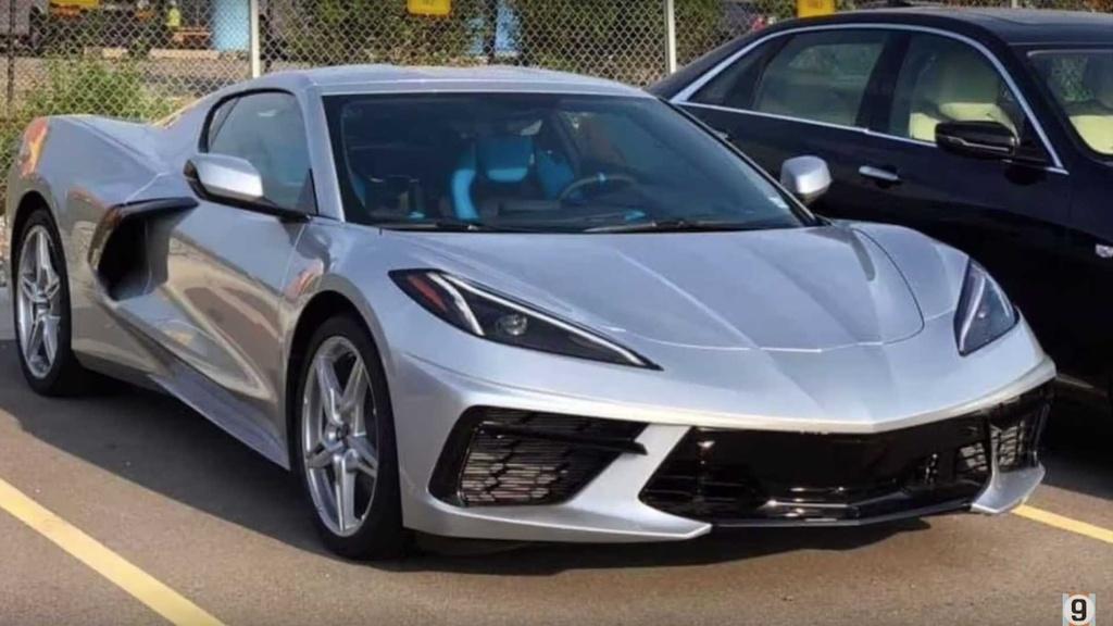 Gia cua Corvette C8 2020 thuc su 're den vo ly' du o thi truong nao hinh anh 9