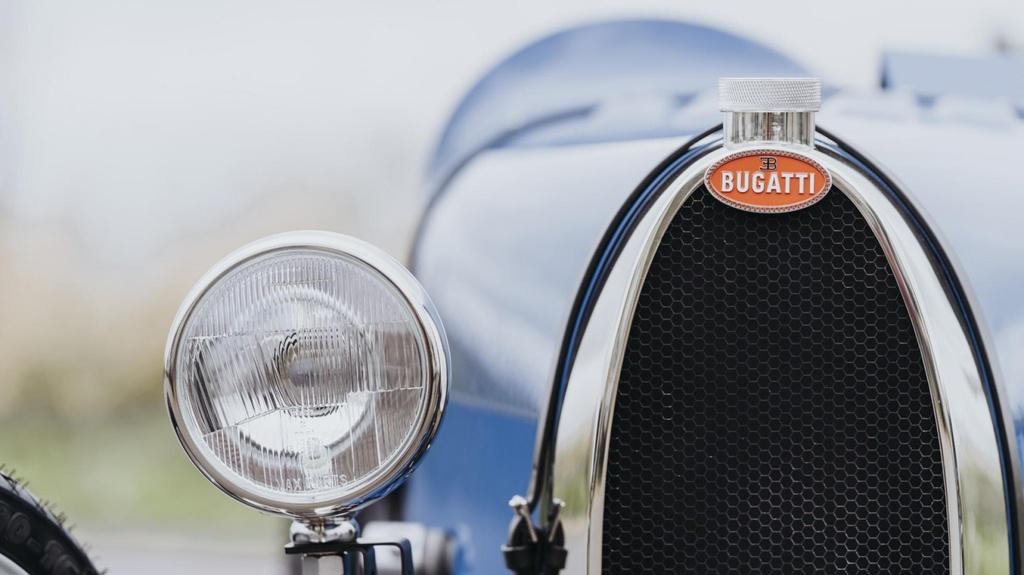 Bugatti ra mat xe chay dien gia chi 33.000 USD hinh anh 3