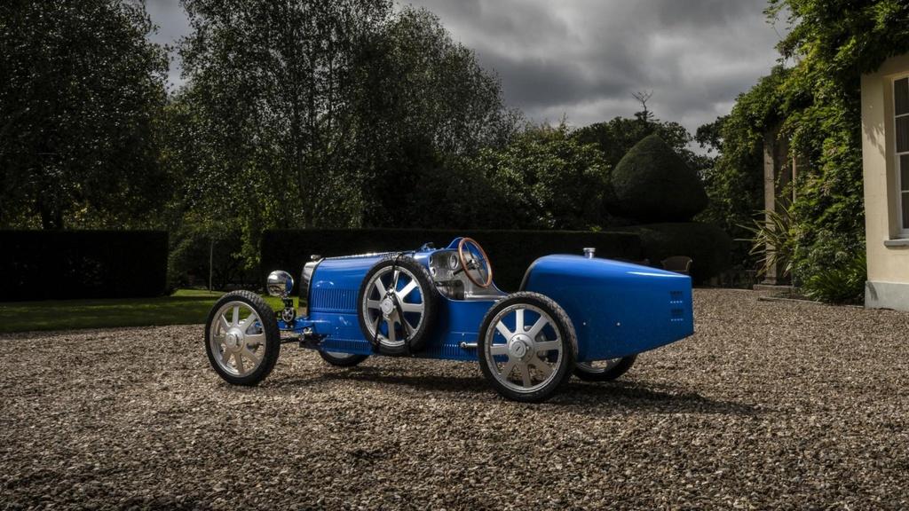 Bugatti ra mat xe chay dien gia chi 33.000 USD hinh anh 2