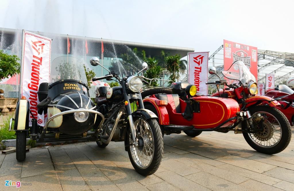 Dan xe moto khung hang tram chiec tu hop tai Ha Noi hinh anh 8