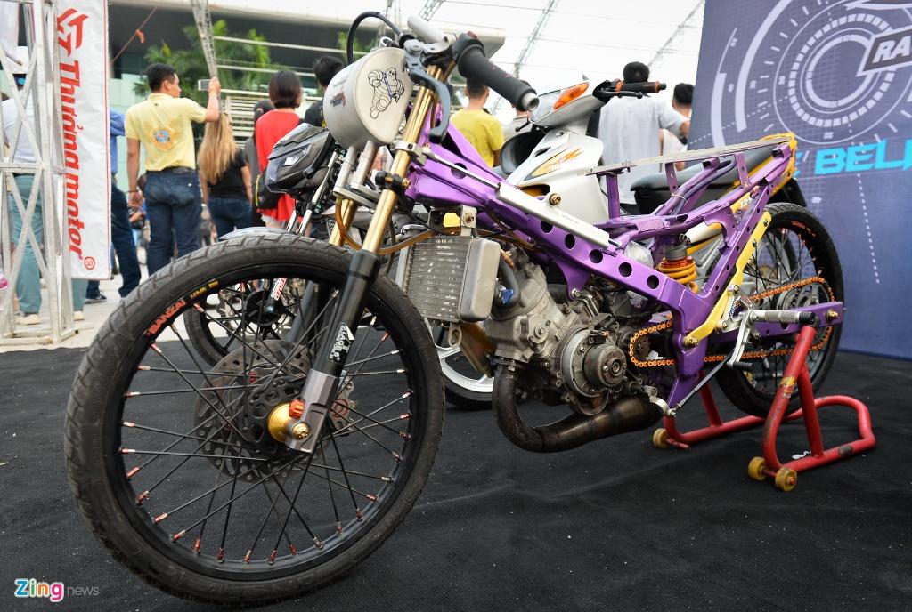 Dan xe moto khung hang tram chiec tu hop tai Ha Noi hinh anh 13