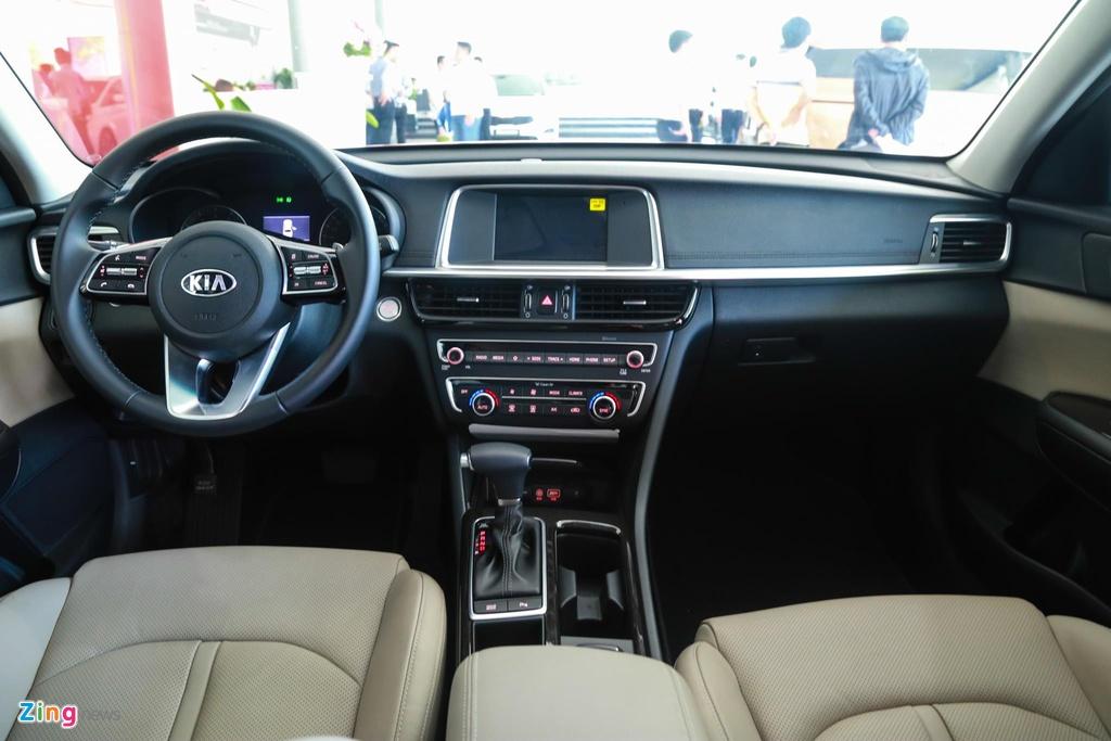 Toyota Camry giu vung ngoi vuong dong xe 4 cho cao cap hinh anh 7