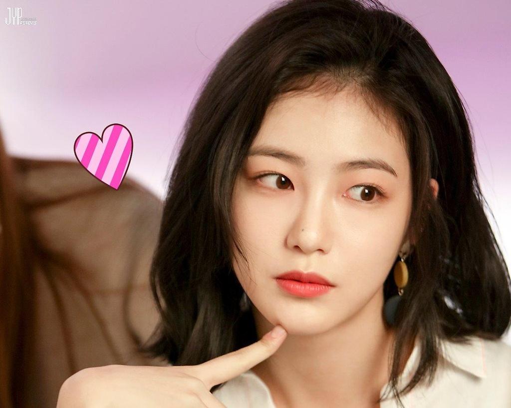 nu than man anh xu Han Shin Ye Eun anh 7