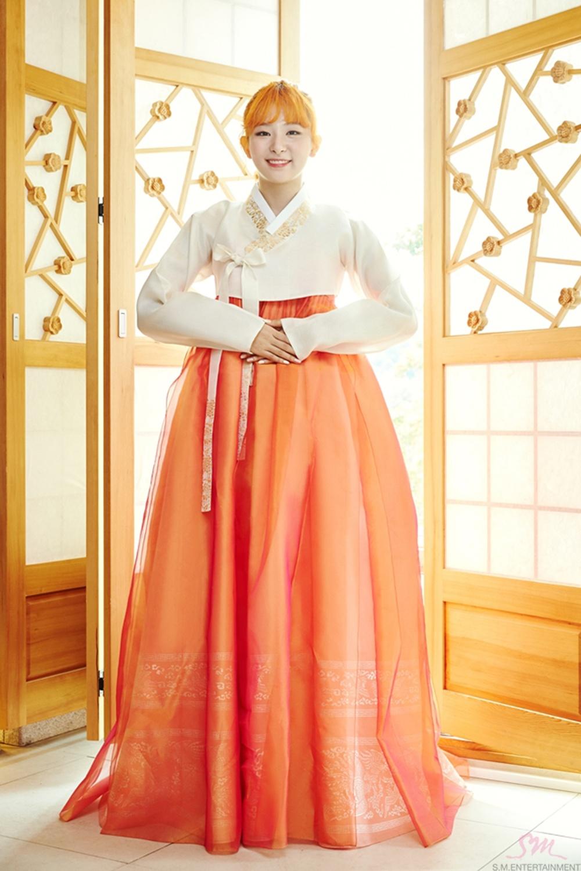 6 nu idol Kpop dien trang phuc truyen thong dep dip Tet hinh anh 5 132706805_04.jpg