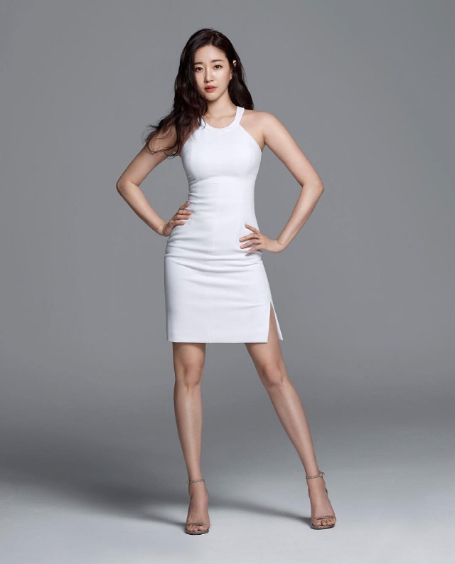 Nhan sac khong tuoi cua 'Hoa hau dep nhat Han Quoc' o tuoi 42 hinh anh 10 Kim_Sa_Rang_Turns_into_Park_Bo_Young_in_tvN_Fantasy_Drama_Abyss.jpg