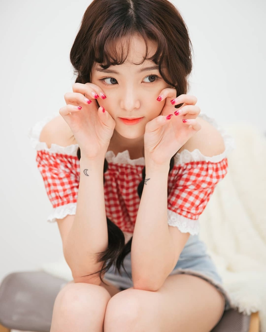Hot girl 'Lat mat 3' cua Ly Hai tham gia show song con ban Trung hinh anh 12 44636925_314548639273642_1322548302472848029_n.jpg